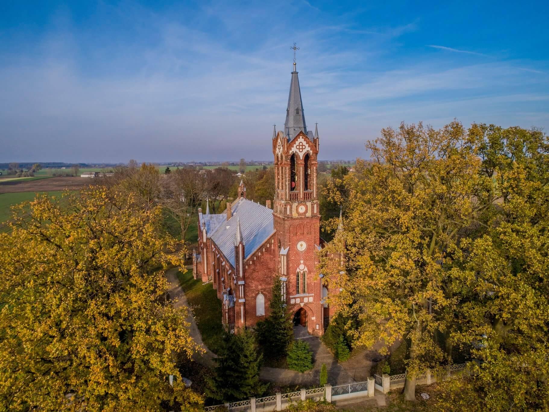 Kościoły mariawitów w Nowej Sobótce i Kadzidłowej