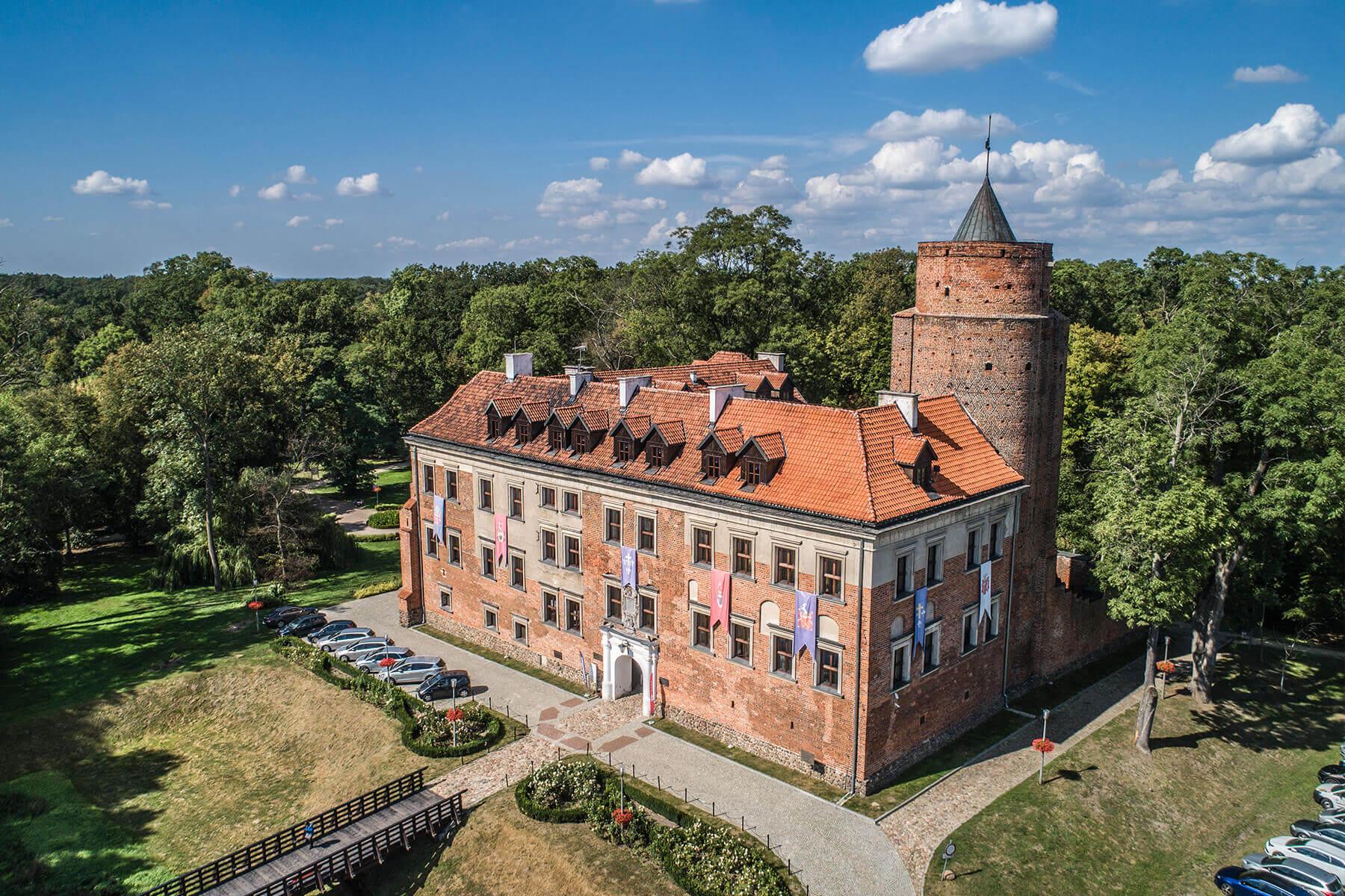 zamki w Centrum Polski_Uniejów