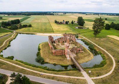 Ruiny Zamku w Besiekierach_Centralny Łuk Turystyczny