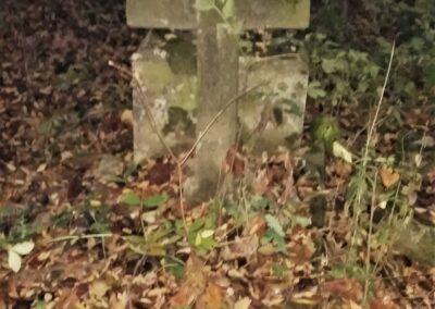 Osobliwe cmentarze w Centrum Polski
