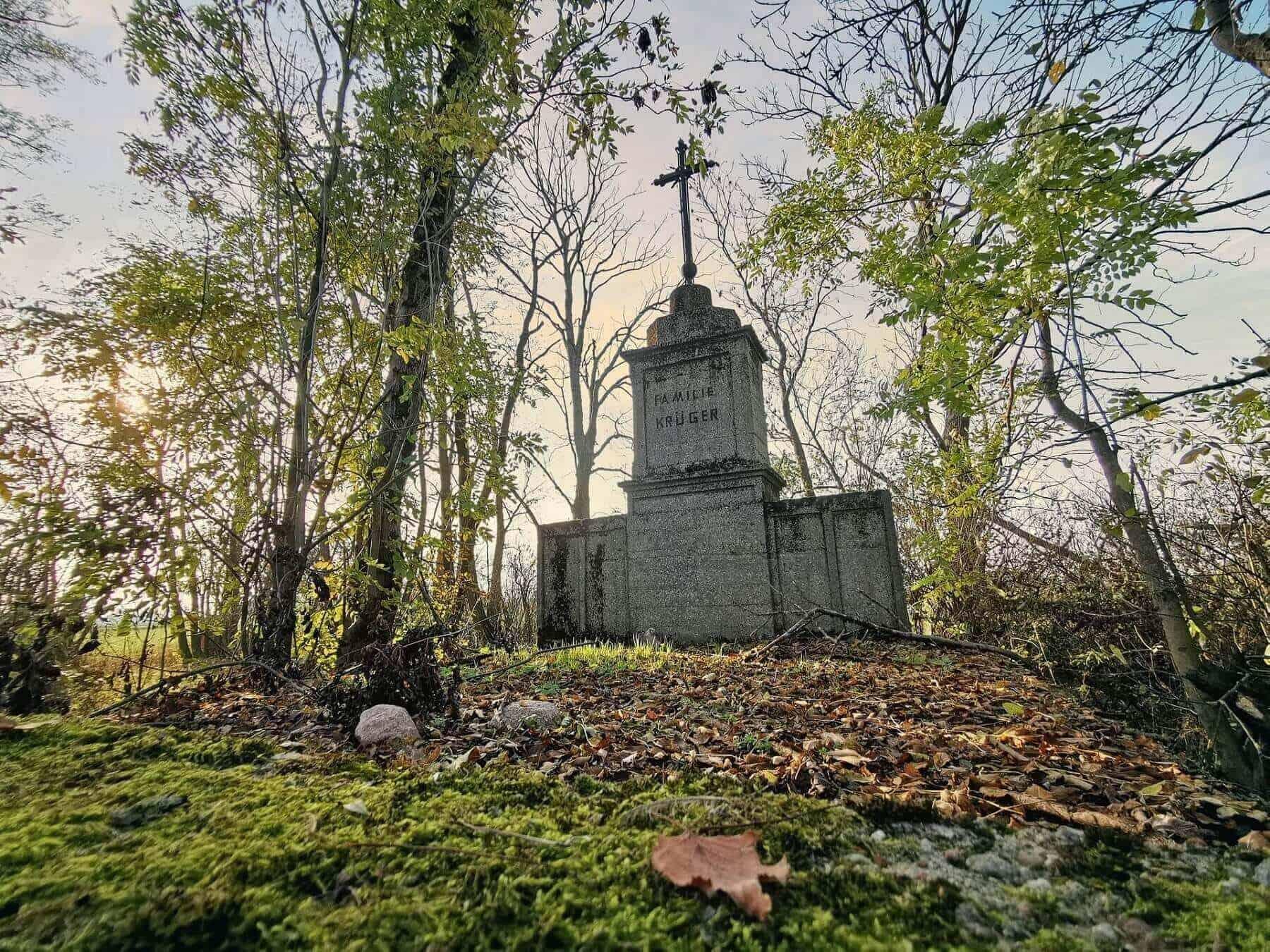 znane i osobliwe cmentarze w Centrum Polski_Gmina Grabów