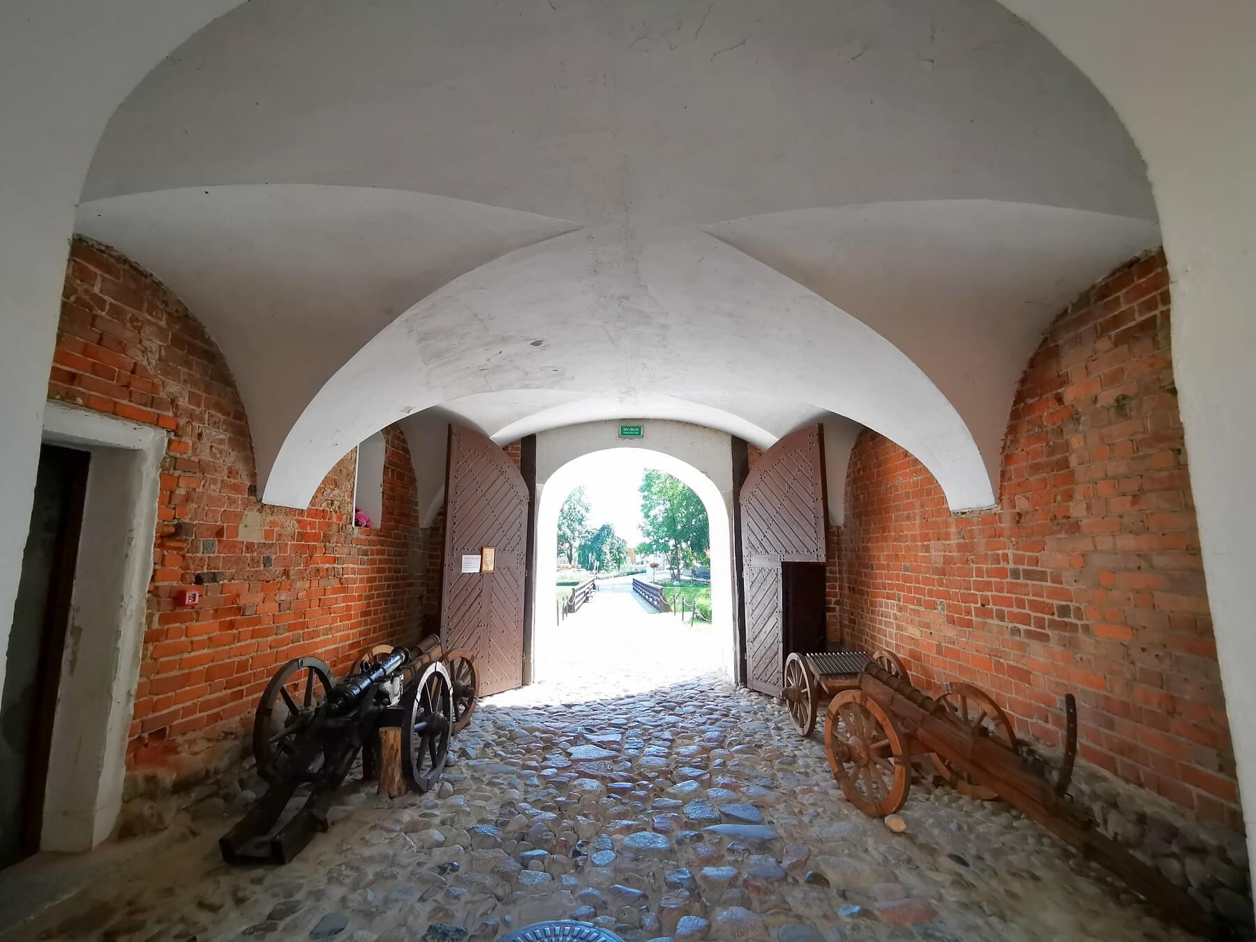 zamki w centrum Polski_Zamek w Uniejowie
